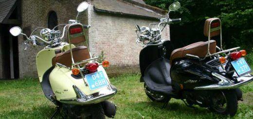 Vespa scooter als tuin aankleding